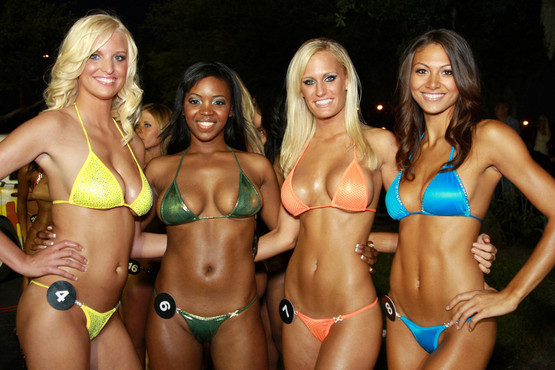 Hooters bikini contest video — pic 10